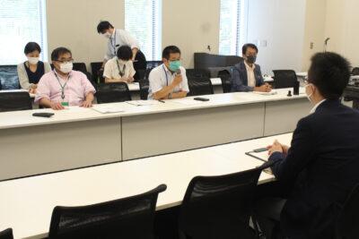 米価対策、災害被害への支援を求める笹渡会長(前列左から2人目)=5日、衆院第2議員会館